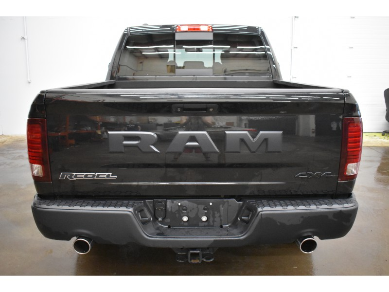 2016 Ram 1500 REBEL CREW 4X4- NAV *LEATHER * UCONNECT