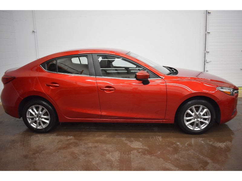 2017 Mazda Mazda3 SE- LEATHER * BACKUP CAM * TOUCH SCREEN