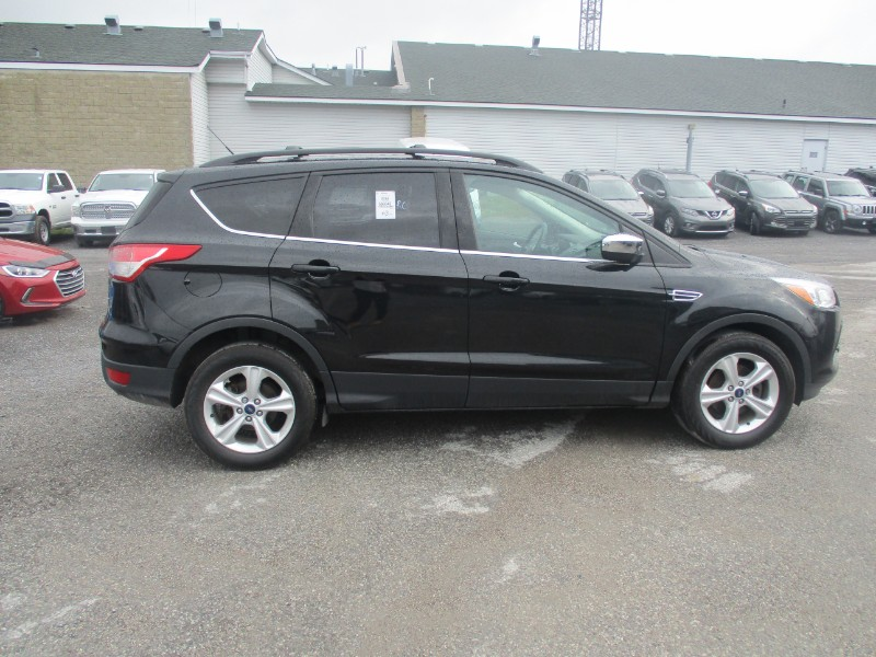 2014 Ford Escape SE- BACKUP CAM * HEATED SEATS * A/C