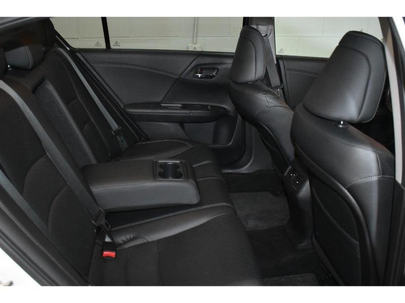 2014 Honda Accord TOURING- NAV * BACKUP CAM * HEATED SEATS