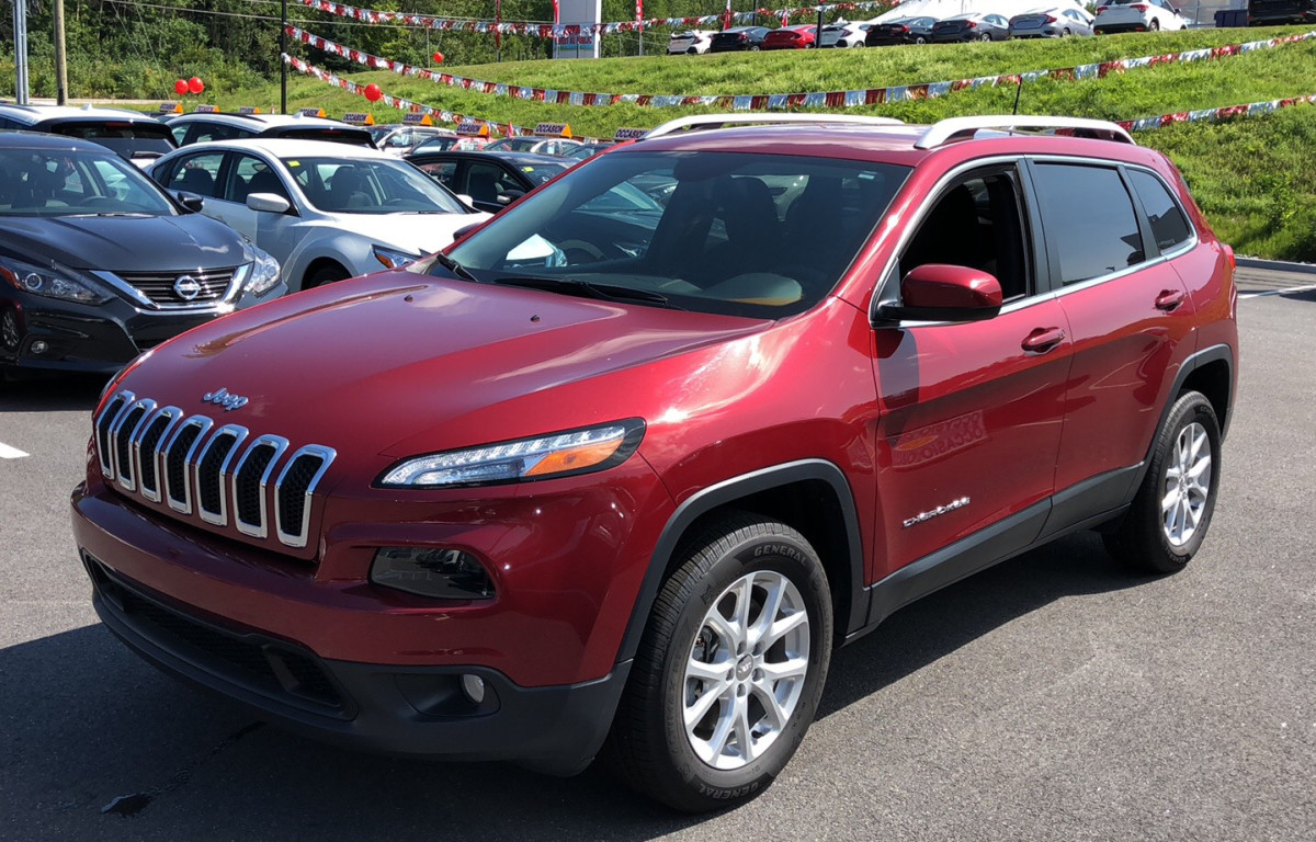 2016 Jeep Cherokee NORTH 4X4 - BACKUP CAM * HEATED SEATS * UCONNECT