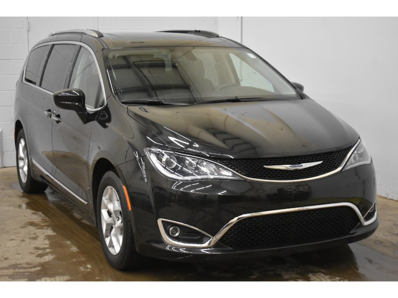 2017 Chrysler Pacifica Touring-L Plus- NAV * BACKUP CAM * HEATED SEATS
