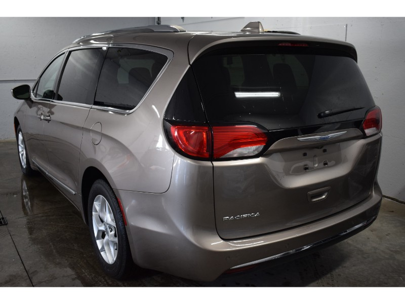2017 Chrysler Pacifica TOURING L PLUS- BACKUP CAM * HEATED SEATS * SUNROO