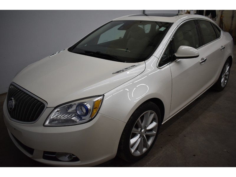 2015 Buick Verano Leather- NAV * BACKUP CAM * HEATED SEATS