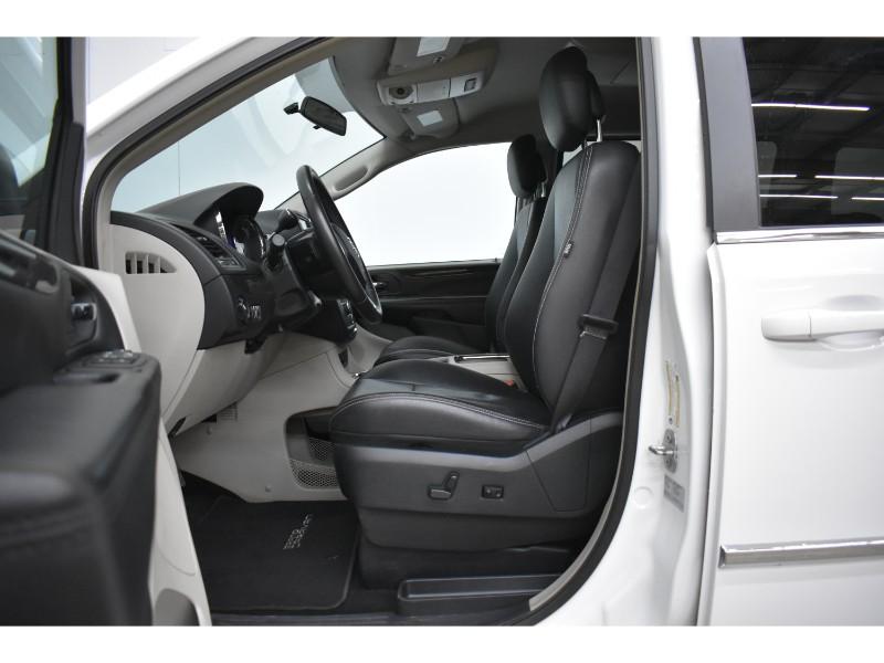 2017 Dodge Grand Caravan CREW - NAV * BACKUP CAMERA *  DVD * HEATED SEATS