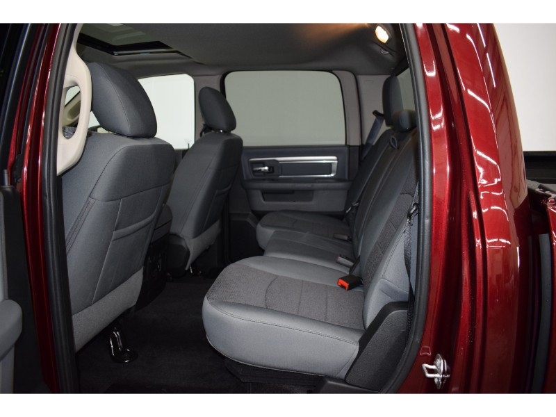 2018 Ram 1500 BIGHORN CREW 4X4 - SUNROOF * BACKUP CAM *HTD SEATS