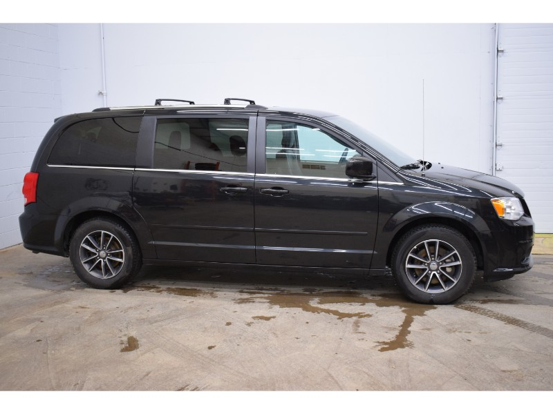 2017 Dodge Grand Caravan SXT - UCONNECT * FULL STOW N GO * ALLOY WHEELS