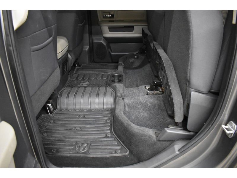 2012 Ram 1500 SLT 4x4 Crew Cab- UCONNECT * HITCH RECEIVER