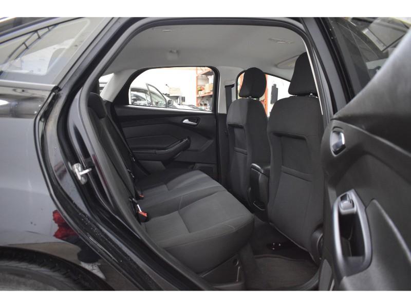 2016 Ford Focus SE- BLUETOOTH * HEATED SEATS * BACKUP CAM