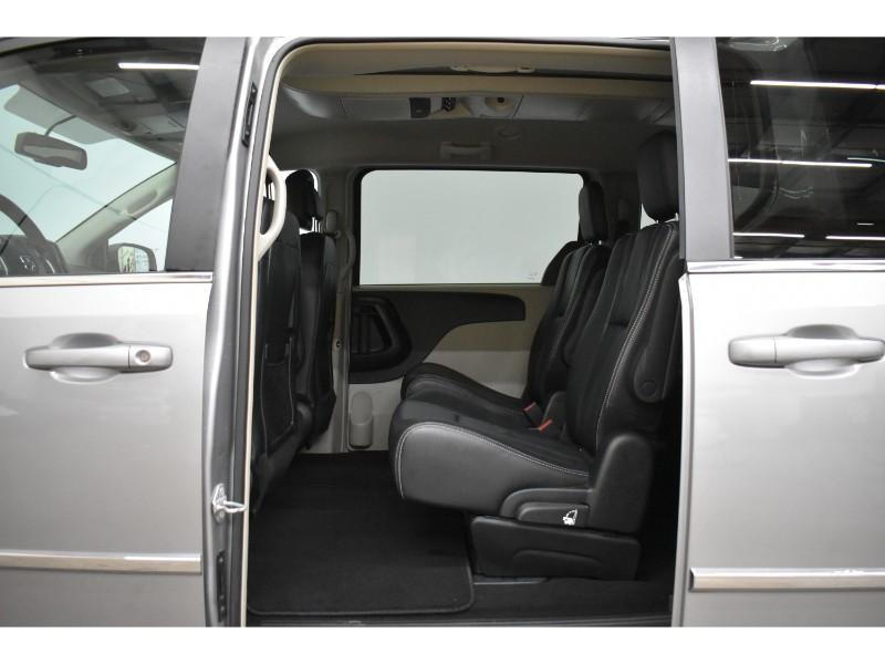 2017 Dodge Grand Caravan CREW - NAV * BACKUP CAM * DVD * HEATED SEATS