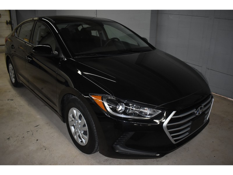 2017 Hyundai Elantra GL- HEATED SEATS * CRUISE * POWER LOCKS