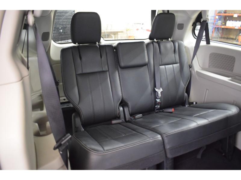 2017 Dodge Grand Caravan Crew- UCONNECT * BACKUP CAM * HEATED SEATS