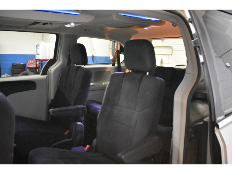 2013 Chrysler Town and Country Touring- BACKUP CAM * NAV * HEATED SEATS