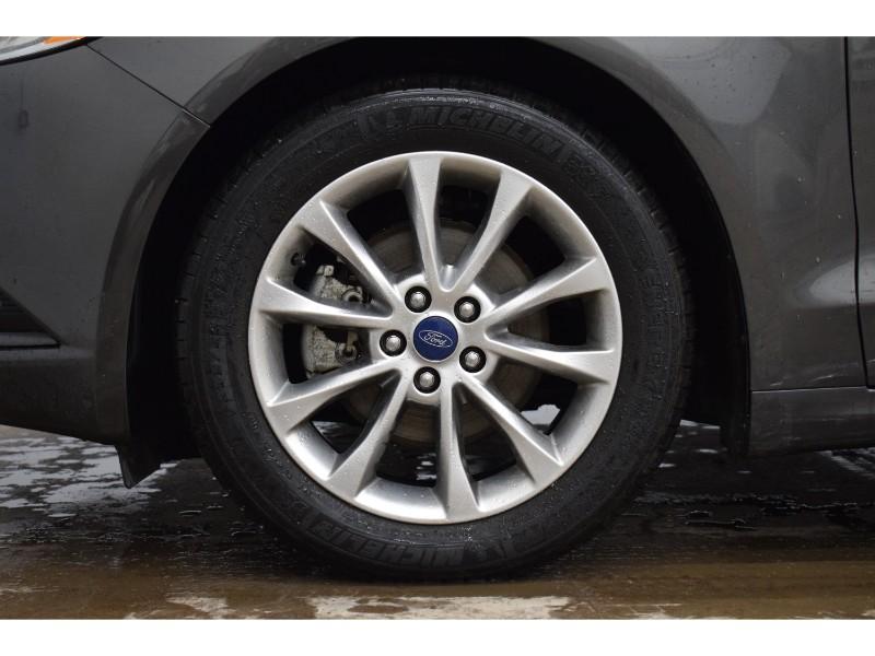 2017 Ford Fusion SE - BACKUP CAM * CRUISE * KEYLESS ENTRY