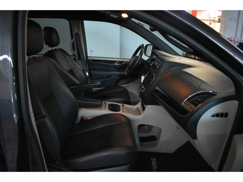 2017 Dodge Grand Caravan SXT PLUS - HANDSFREE * LEATHER  * PWR DRIVER