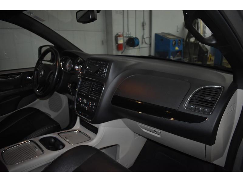 2017 Dodge Grand Caravan SXT PLUS - LEATHER * UCONNECT * FULL STOW N GO