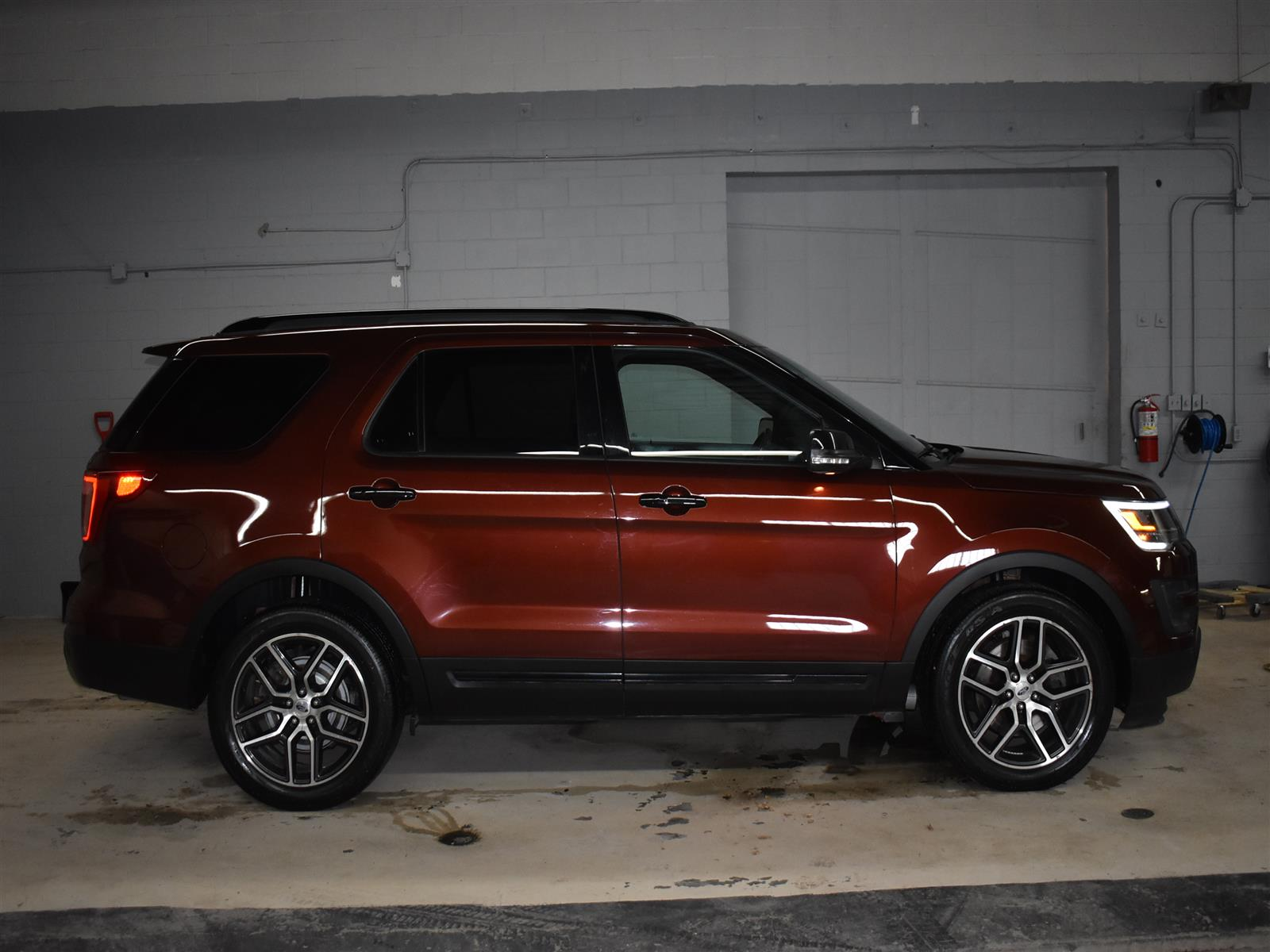 2016 Ford Explorer SPORT * LEATHER * DUAL PANORAMIC SUNROOF * NAV *