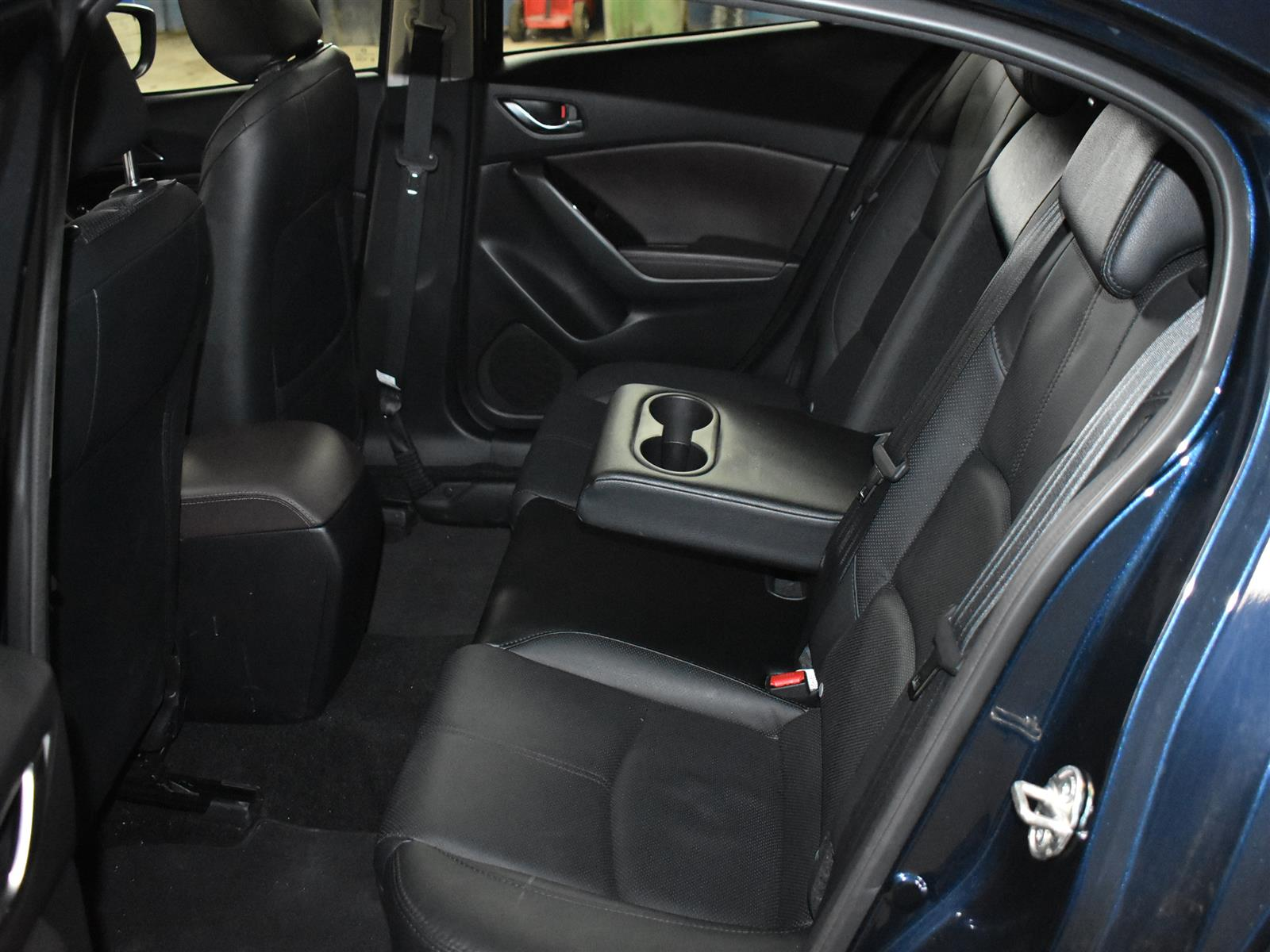 2018 Mazda Mazda3 GT * LOW KMS * ALLOY WHEELS * BACKUP CAM *