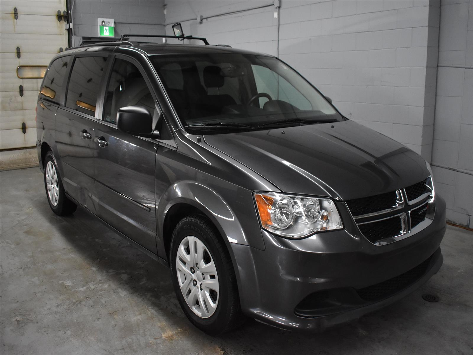 2017 Dodge Grand Caravan SXT * ALLOY WHEELS * FULL STOW N GO *