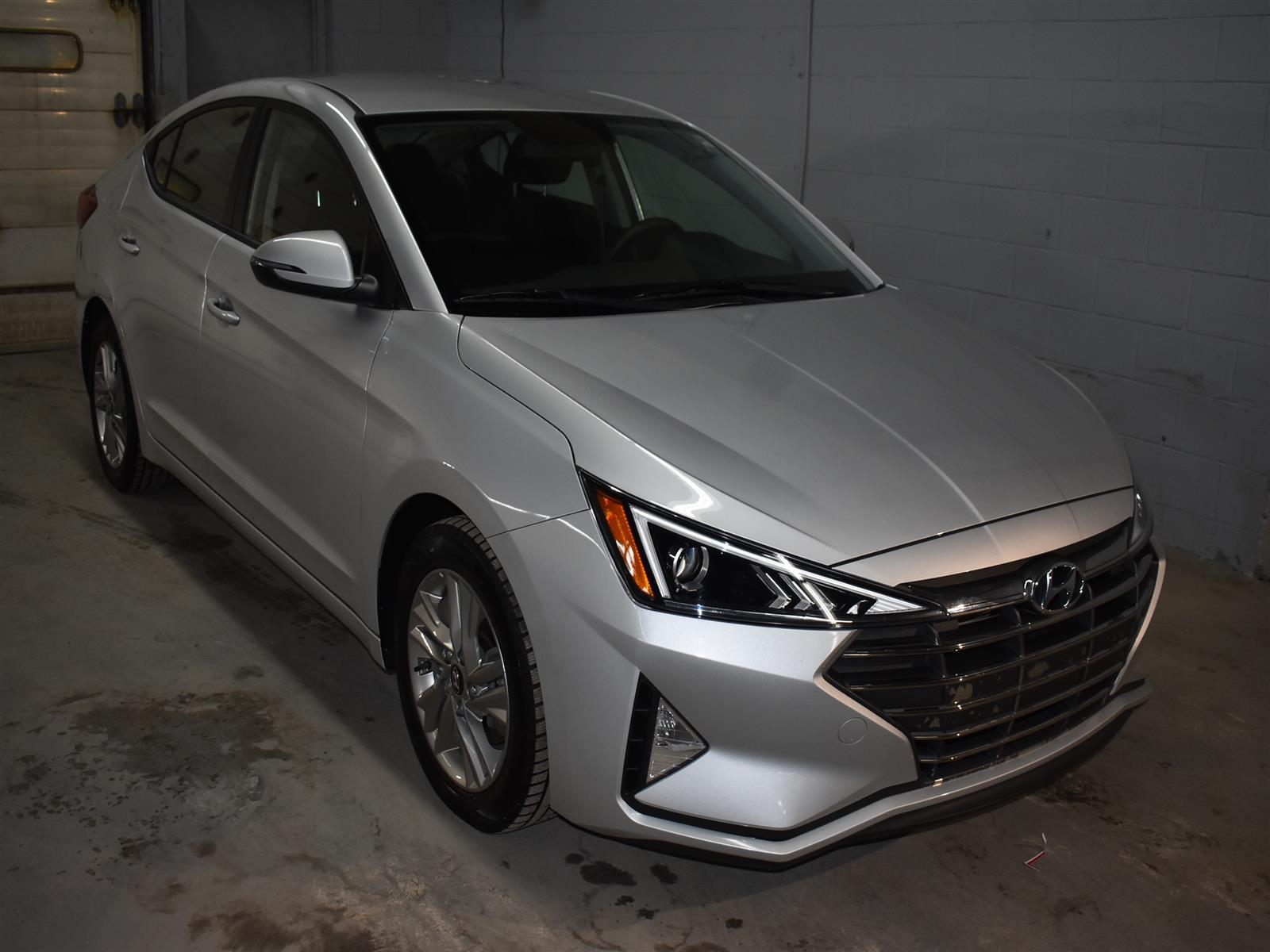 2019 Hyundai Elantra Preferred * LOW KMS * ALLOY WHEELS *