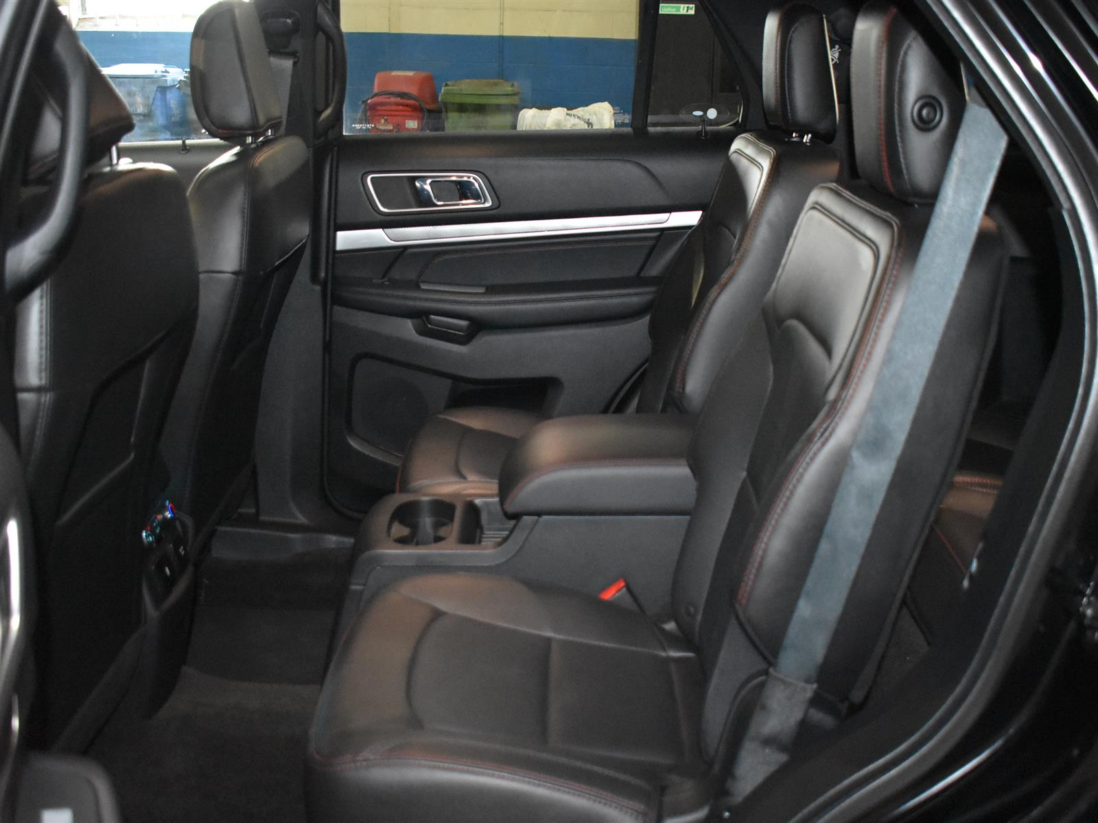2018 Ford Explorer SPORT * LOW KMS * DUAL SUNROOF *