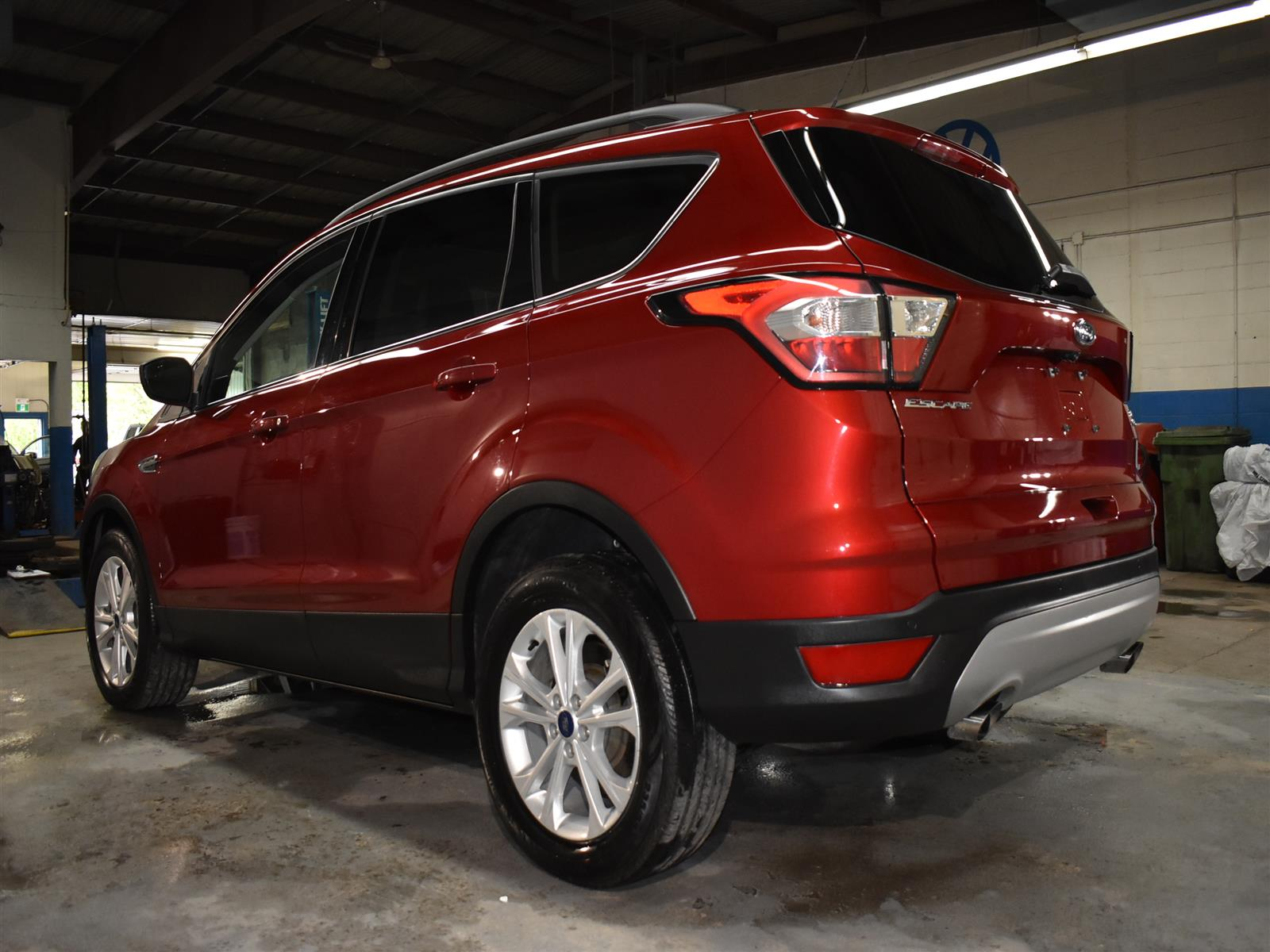 2018 Ford Escape SEL * LOW KMS * NAV * TOUCH SCREEN *