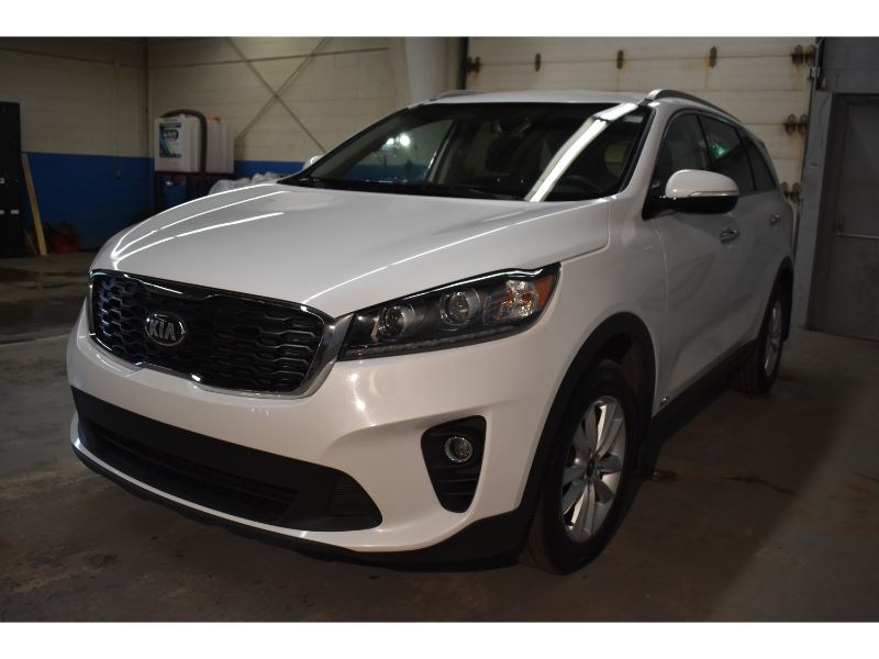 2019 Kia Sorento LX * BACKUP CAMERA * HEATED FRONT SEATS and STEERING *