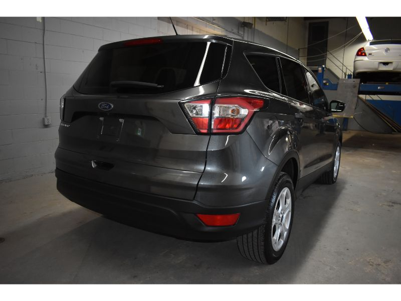 2017 Ford Escape S * CRUISE * BACK UP CAMERA *