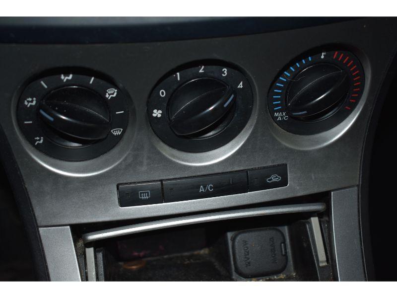 2010 Mazda Mazda3 GS * SUNROOF * BLUETOOTH *