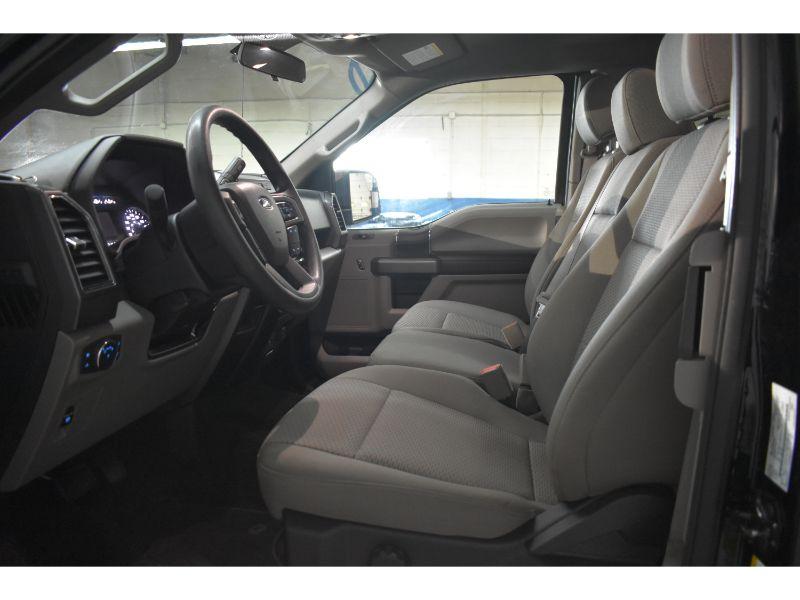 2018 Ford F-150 XLT * V6 * LOW KM* 4X4 *