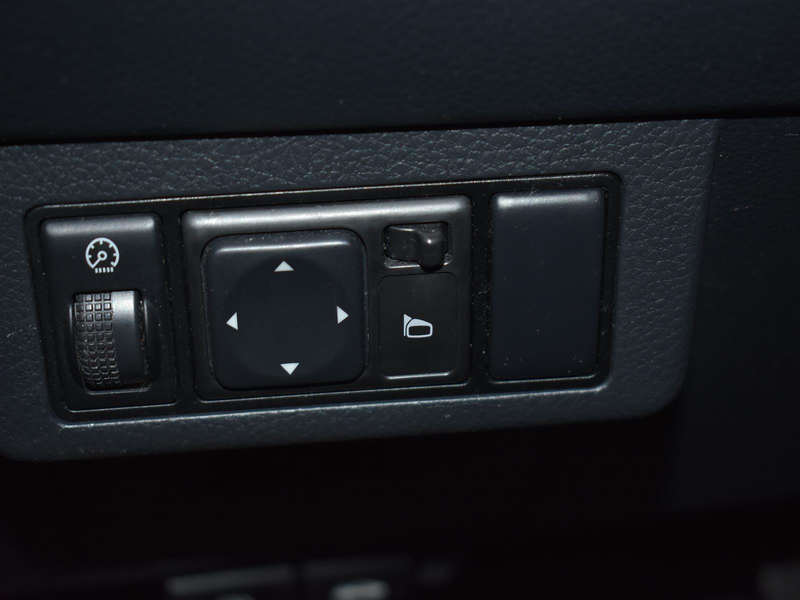 2008 Nissan Versa 1.8 S *CHEAP ON GAS*
