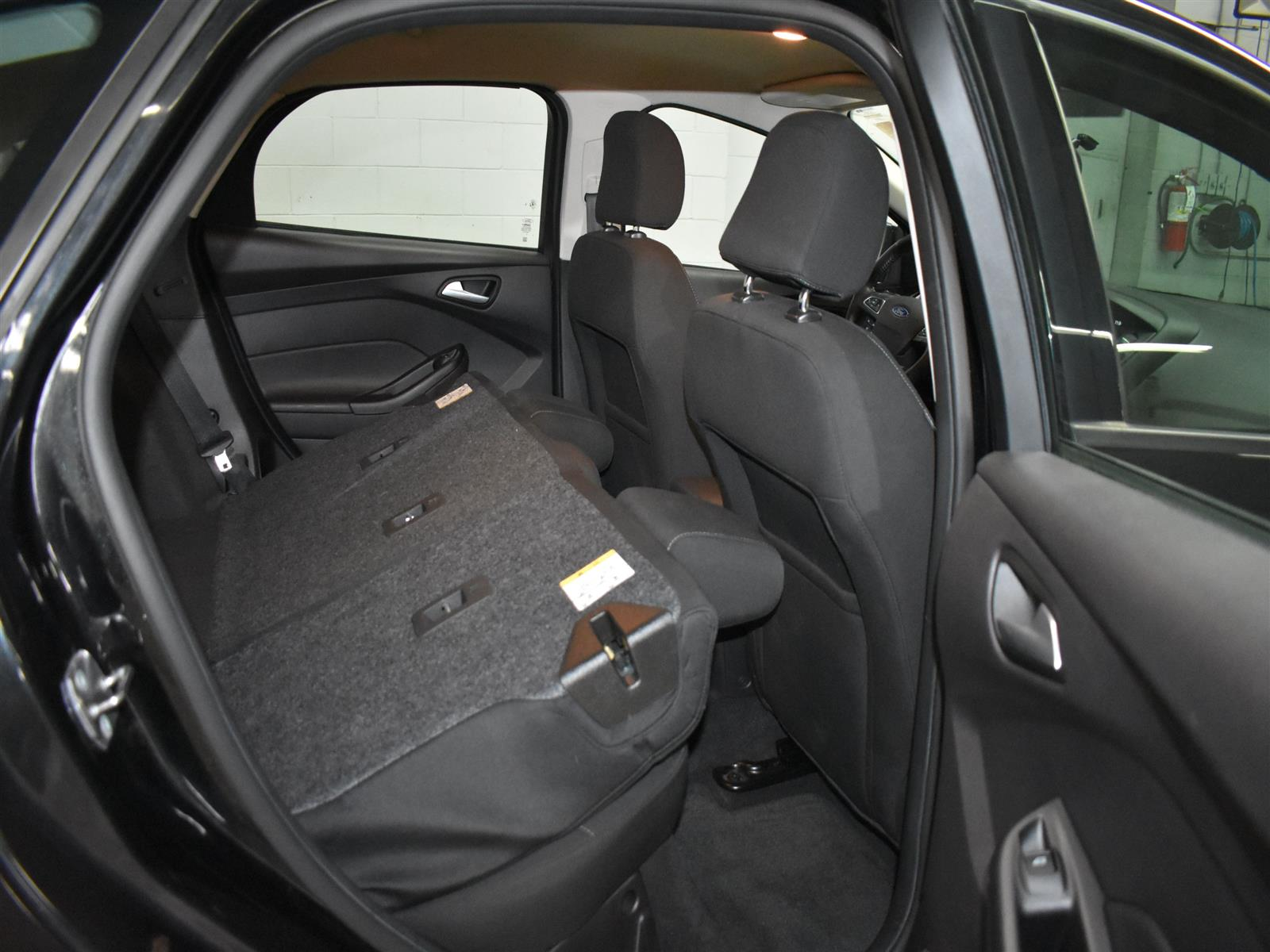 2015 Ford Focus SE 5-DOOR HATCH