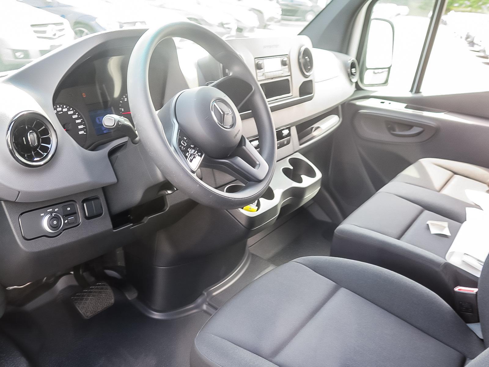 New 2019 Mercedes-Benz Sprinter V6 3500 Cargo 170 Ext.