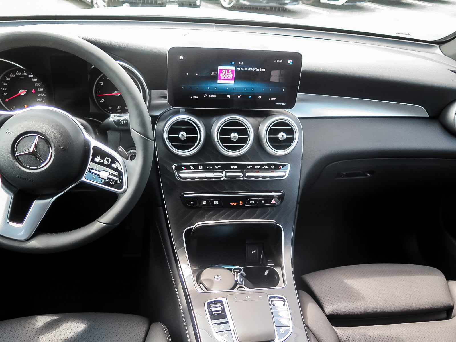 New 2020 Mercedes-Benz GLC300 4MATIC SUV