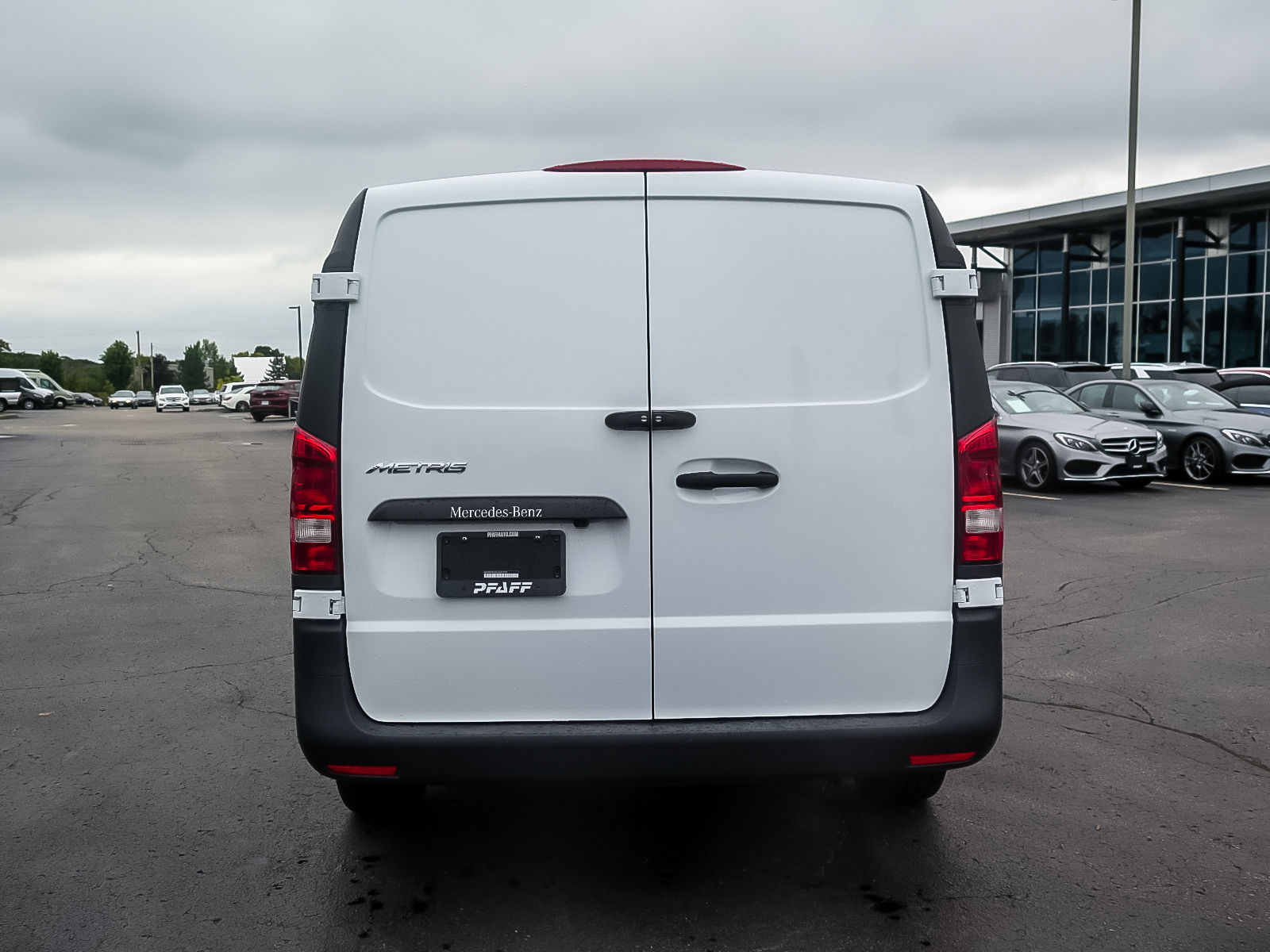 New 2020 Mercedes-Benz Metris Cargo Van 135""
